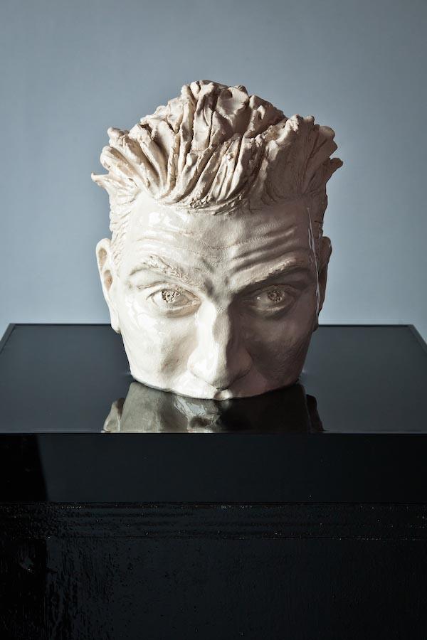 Egon - 2011 - ceramica smaltata su acqua - altezza cm 25